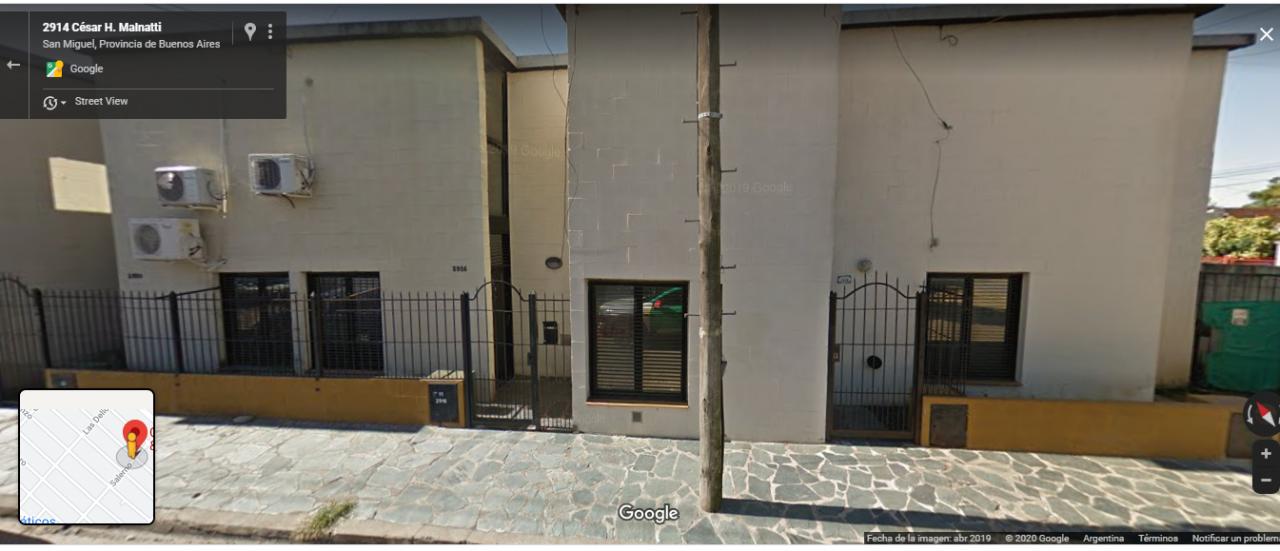 DUPLEX. PA: 2 dormitorios y baño. PB: living-comedor, cocina, patio, parrilla y cochera. U$S78000.- APTO CRÉDITO BANCARIO.