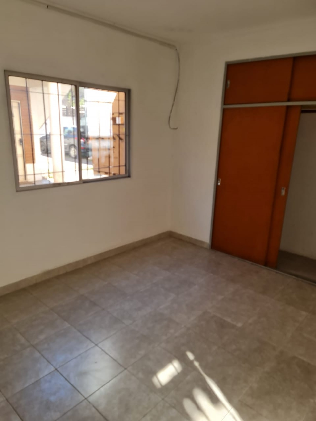Departamento 2 ambientes con entrada individual